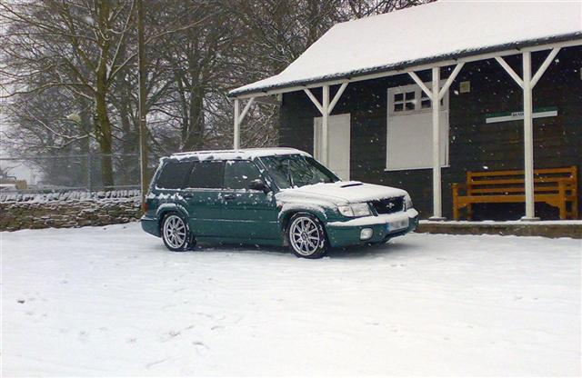 Subaru Forester S/tb - Lowered, repainted and refurbed alloys